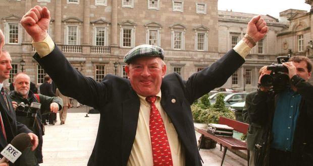 Jackie Healy Rae outside Dáil Éireann
